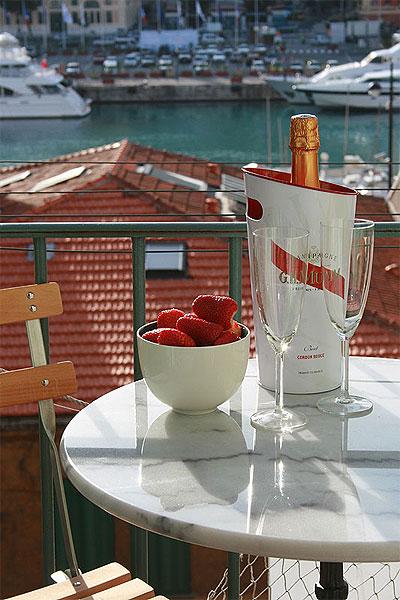 Champagne på balkongen